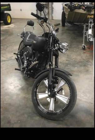 Photo 2007 H-D NIGHT TRAIN  blacked out  Must look - $7,800 (Chariton)