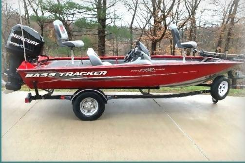 Photo 2013 Bass Tracker Boat Is Capable Of Speeds Up To 60 Mph - $1,400