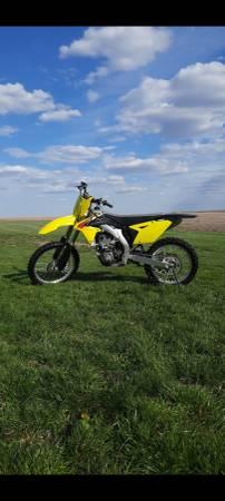 Photo 2015 Suzuki RM-Z 450 - $4,300 (Oskaloosa)