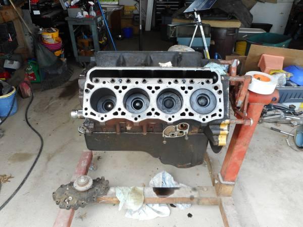 Photo 7.3 turbo diesel ford motor - $400 (st charles)