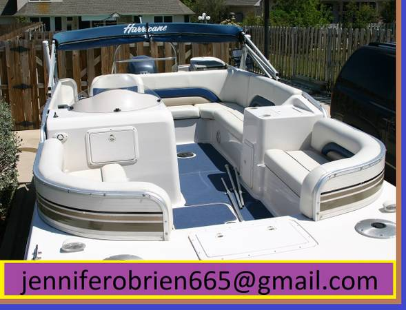 Photo Deck Boat 2003 Hurricane - $1,500 (Hannibal)