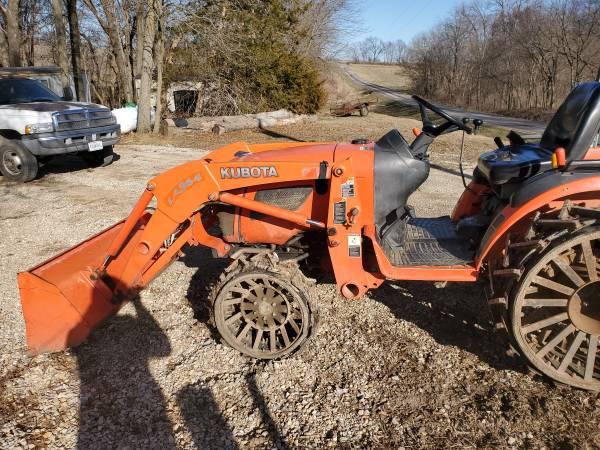 Photo Kubota B2920 tractor for sale - $10,000 (Chula)