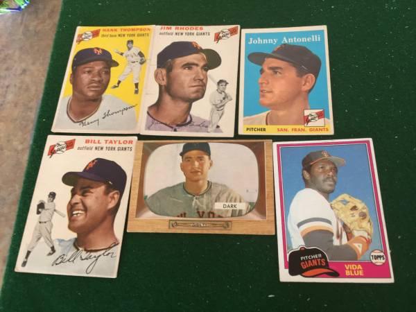 Photo New York Giants Baseball Cards - $70 (Salisbury)