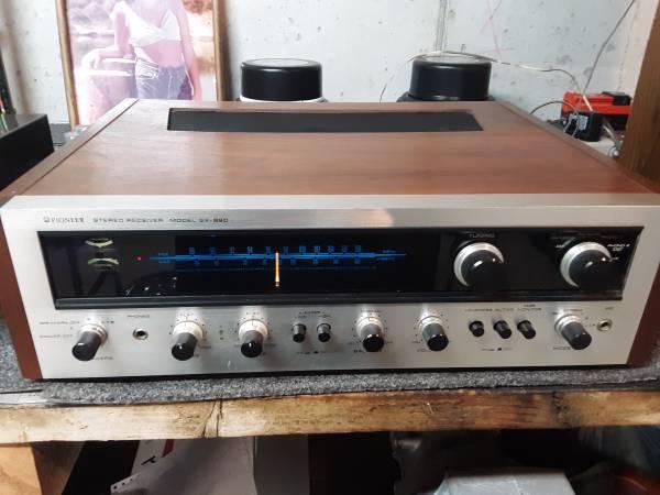 Photo Vintage Pioneer SX-990 Stereo Reciever - $200 (Jefferson City)