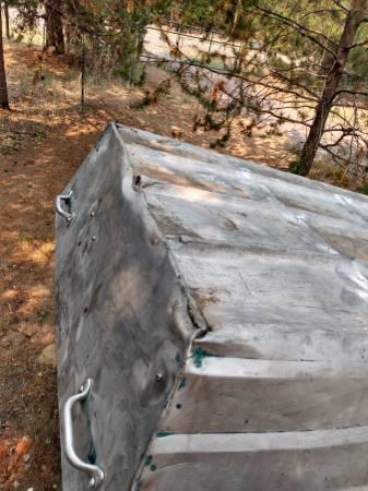 Photo 12 ft aluminum jon boat - $100 (La pine Oregon)