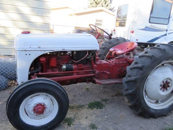 Photo 1947, N 8, Ford farm Tractor - $2,100 (Klamath Falls)