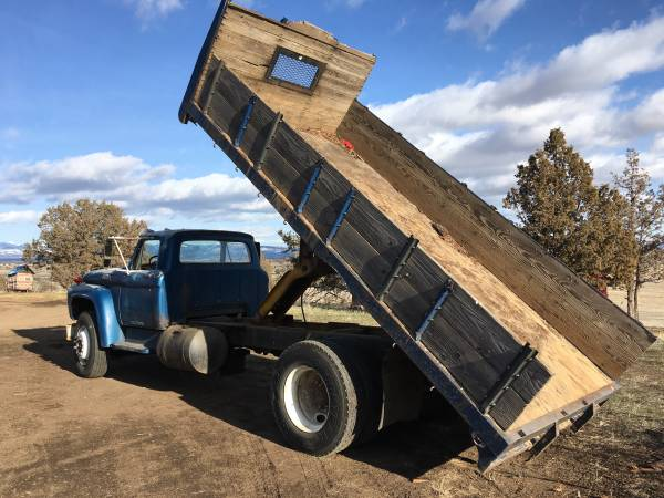 Photo 1962 Ford 800 Dump Truck (Class C) - $5,500 (Alturas)