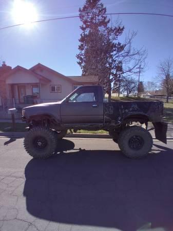Photo 1989 sasd Toyota pickup - $3,000 (Klamath falls)