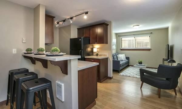 Photo 1 Bedroom Shared Bath Apartment In NW Bend - 3 month lease to start (River West)