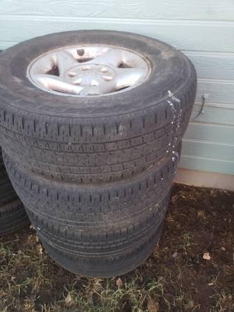 Photo 2002 Toyota Tundra Wheels and Tires - $150 (Klamath Falls)