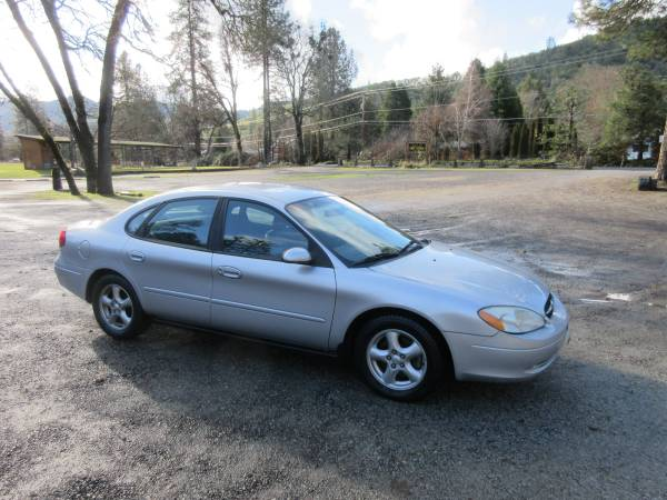 Photo 2003 Ford Taurus Only 76,651 miles Great Car Fax history Report - $2850 (Medford)