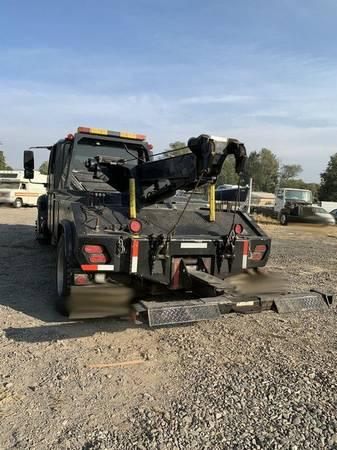 Photo 2003 International 4300 Wrecker Tow Truck RTR 0091224-01 - $15,000 (Klamath Falls)