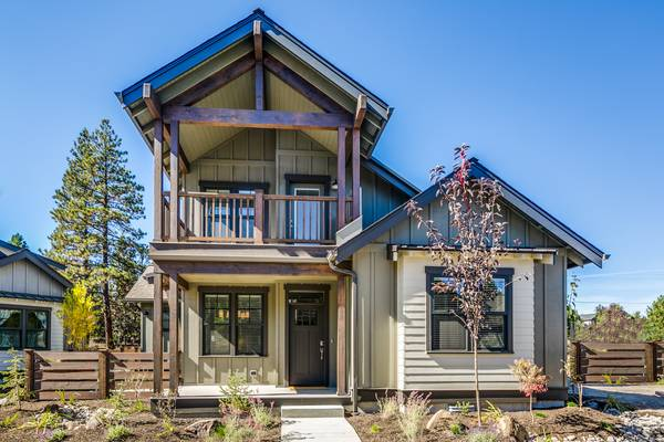 Photo BRAND NEW Furnished River C Home (SW Bend)