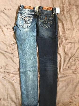 Photo Brand New Rock Revival jeans Sz 26 - $1 (Bend)