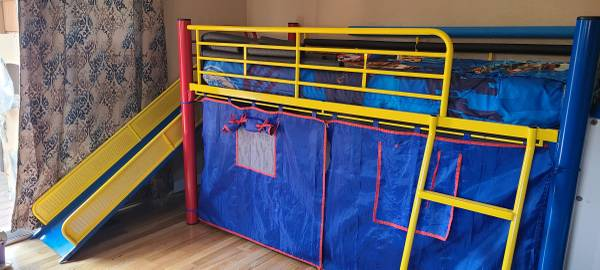 Photo Child39s Loft Bed with Mattress, Slide  Bedding - $150 (Roosevelt Elem. School area-KF)