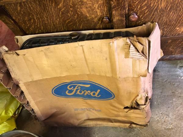 Photo Ford Radiator new in original box - $100 (Klamath Falls)