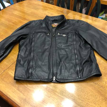 Photo Mens Harley Davidson leather riding jackets - $200 (Klamath falls)