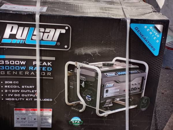 Photo Pulsar 3500 Watt Generator NEW IN BOX - $350 (Medford)