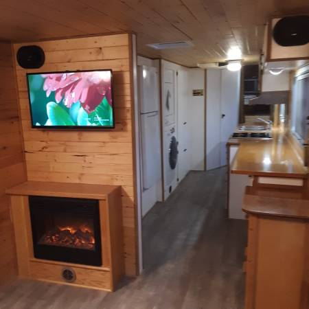 Photo Vintage Tiny House (SOLD) - $21,500 (Crescent)