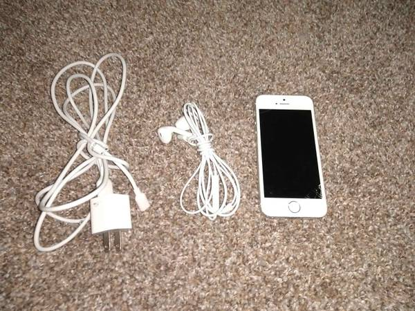 Photo iPhone 5s for cheap - $10 (Klamath Falls)