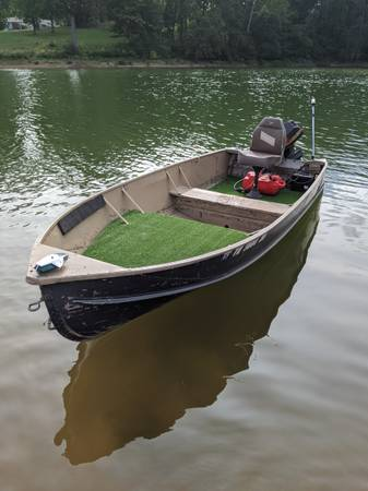Photo 14ft Rich-Line Aluminum V-Bottom Boat w 9.9 Hp - $1,200 (Bean Station Tn)