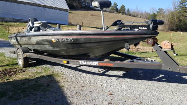 Photo 1989 Nitro Bass Boat 150 Evinrude - $4500 (Harrogate)