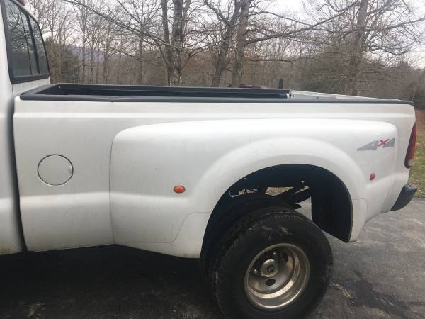 Photo 1999 f350 dually bed - $450