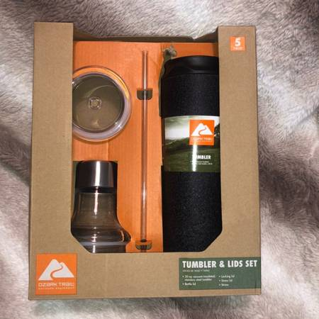 Photo (1) quotOZARK TRAILquot 5Pc TUMBLER SET - $15 (Bearden)