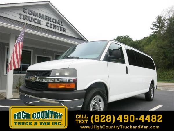 Photo 2012 Chevrolet Express Passenger EXPRESS G3500 LT 15 PASSENGER - $15995 (_Chevrolet_ _Express Passenger_ _Van_)