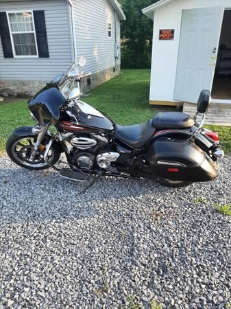 Photo 2014 Yamaha v star 950 tourer - $5,500 (Newport TN)