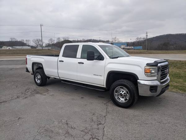 Photo 2015 GMC 2500HD Crewcab, Base, 4X4, 6.0 V8, Auto, power windows, locks - $17995 (Mascot)