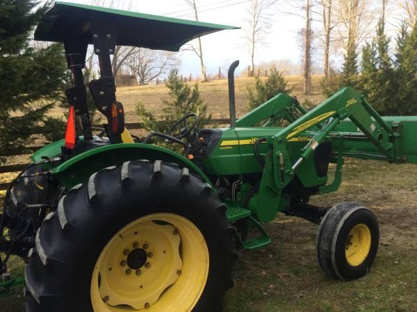 Photo 5425 John Deere TractorLoader - $24,900 (Whitley City, Ky.)