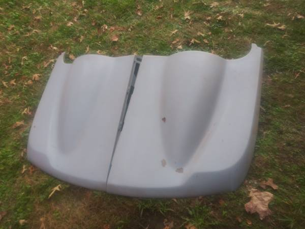 Photo 94 t0 98 MUSTANG CONVERTABLE ROADSTER HARD COVER - $250 (Sevierville)
