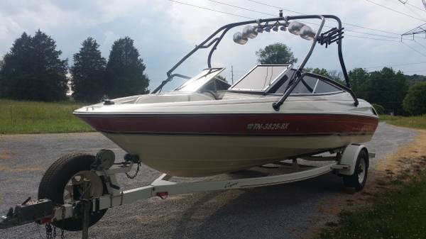 Photo 95 Bayliner with Wakeboard Tower - $6500 (Corryton)