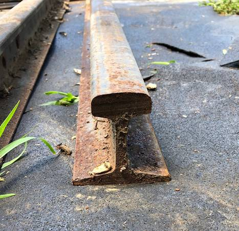 Photo Anvil Rail Track - $60 (New Market)