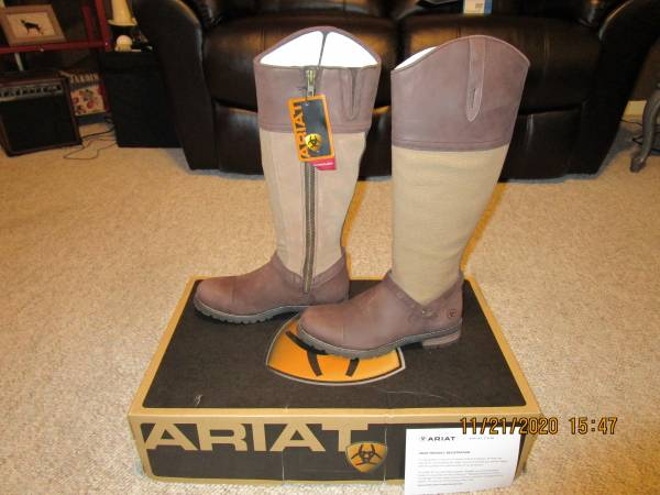 Photo Ariat Boots Brand New with Tags - $120 (Tazewell)
