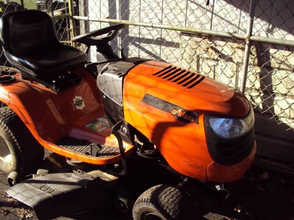 Photo Ariens Riding Mower - $475 (Maryville)