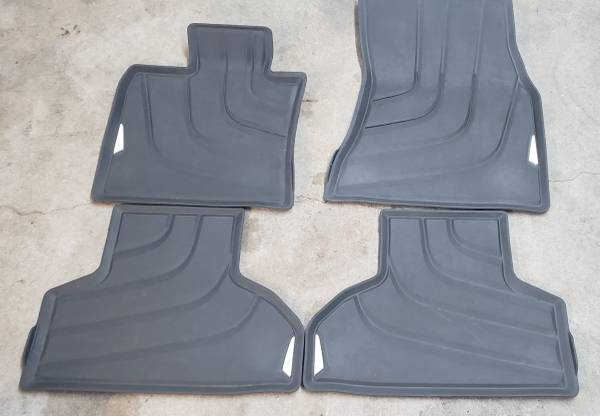 Photo BMW X5 OEM FLOOR MATS 2014-2018 F15 X5 35i 35iX 50iX SET OF 4 - $65 (WEST KNOX CEDAR AREA 1 MILE FROM INTERSTATE I-40)