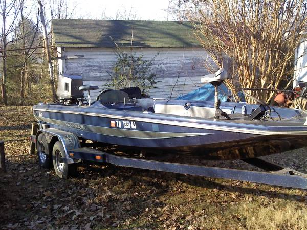 Photo Bullet bass boat for trade - $1 (Athens)