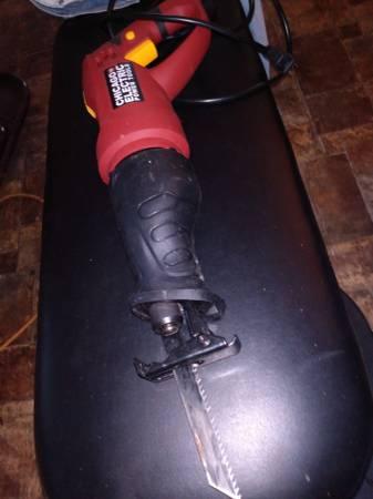 Photo Chicago Electric SawzallRecip. Saw with blades - $40 (Powell)
