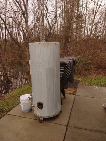 Photo Commercial hot water heater. (Knoxville)