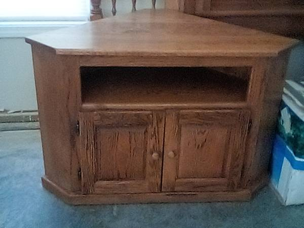 Photo Corner TV stand - $75 (Jacksboro)