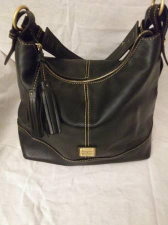 Photo Dooney and Bourke Black Shoulder Bag - $35 (Knoxville)