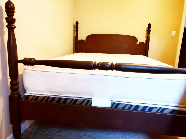 Photo Full size wood bed with mattress - $250 (Knoxville)