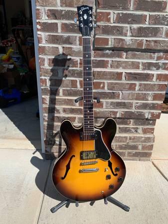Photo Gibson ES-335 - $1550 (Maryville)