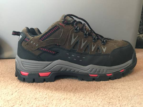 Photo HYTEST Men39s 11192 Low Cut Steel Toe Shoes 11.5 M - $50 (Morristown)
