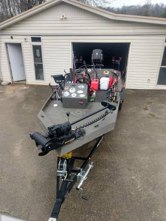 Photo JET BOAT 1756 Tunnel Hull with 65 Merc Jet - $15000