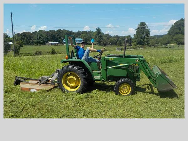 Photo John Deere 870 4 x 4 Diesel tractor - $15,000 (White Pine)