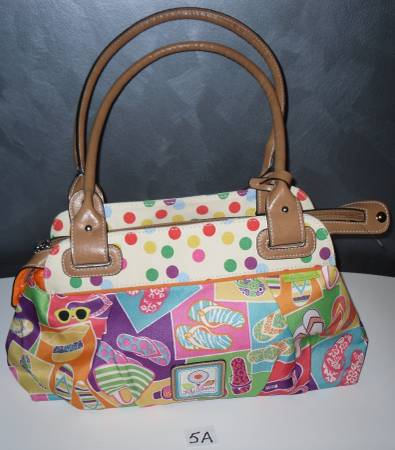 Photo Lily Bloom Hand Bag NEW 5A - $10 (MARYVILLE)