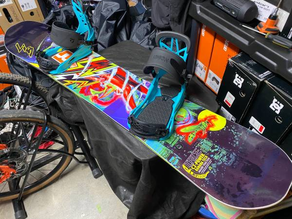 Photo New Limited Edition T Rice Lib Tech 153cm Snowboar WBindings - $500 (Sevierville)